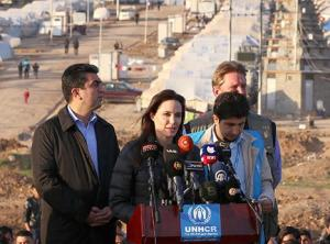 1422406795_angelina-jolie-iraq-article